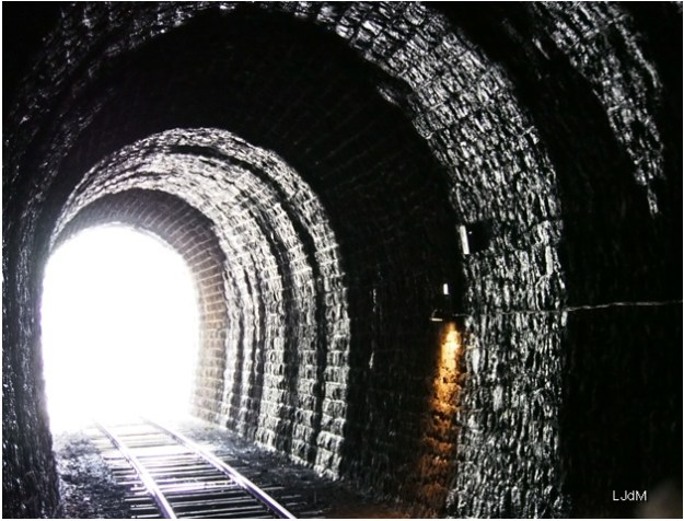 tunnel_train