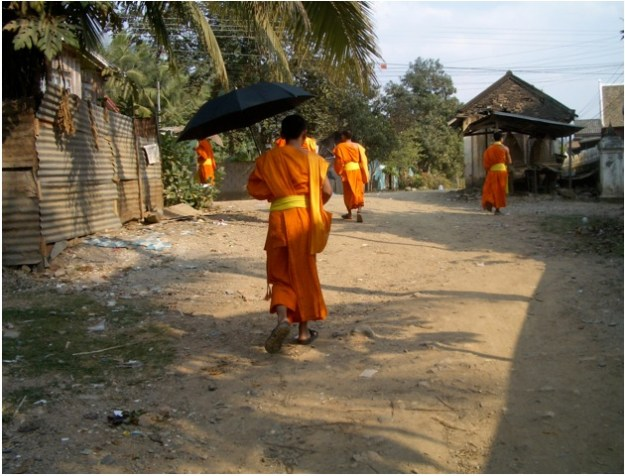 moines_bouddhistes