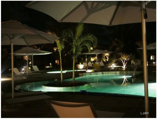 piscine_night