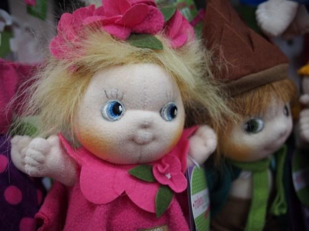 Une jolie poupée suédoise pour ma poupée (cadeau inside)