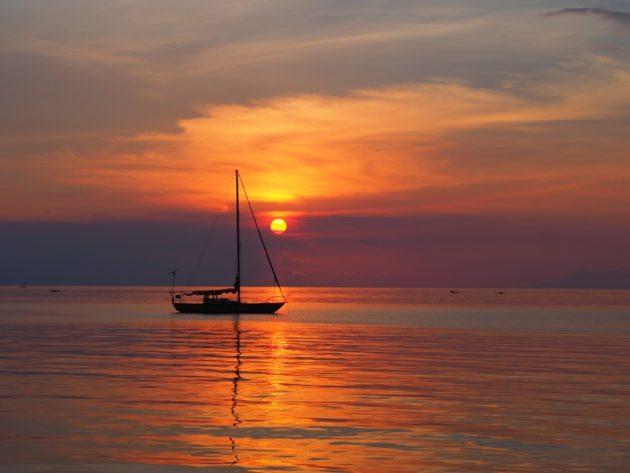 coucher du soleil à Lovina