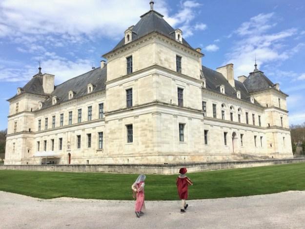 visite en famille du chateau d'ancy le franc