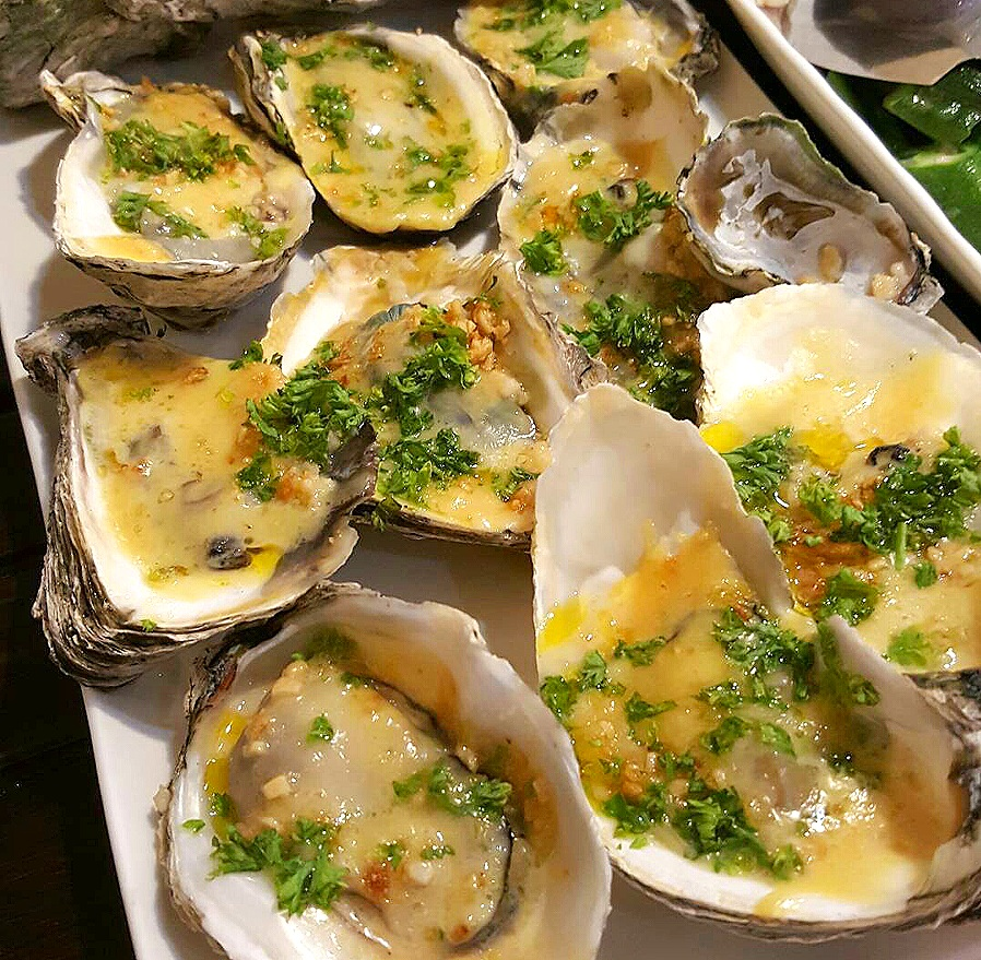Baked Oyster with Garlic and Cheese (Talaba)