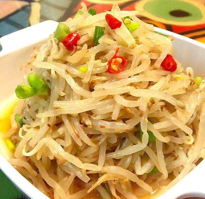 Korean Style Bean Sprouts Salad
