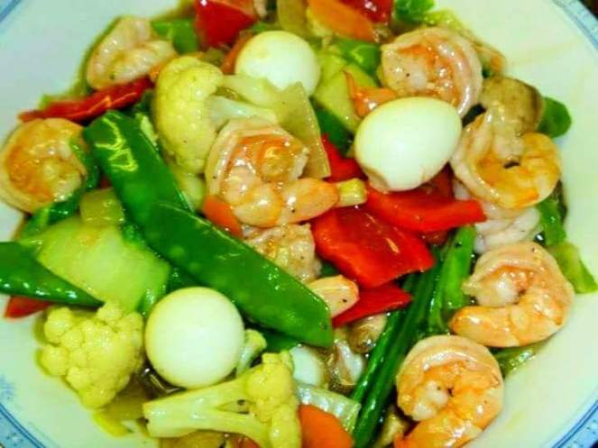 Chopsuey ( Sauted Chicken, Vegetables And Quail Eggs)