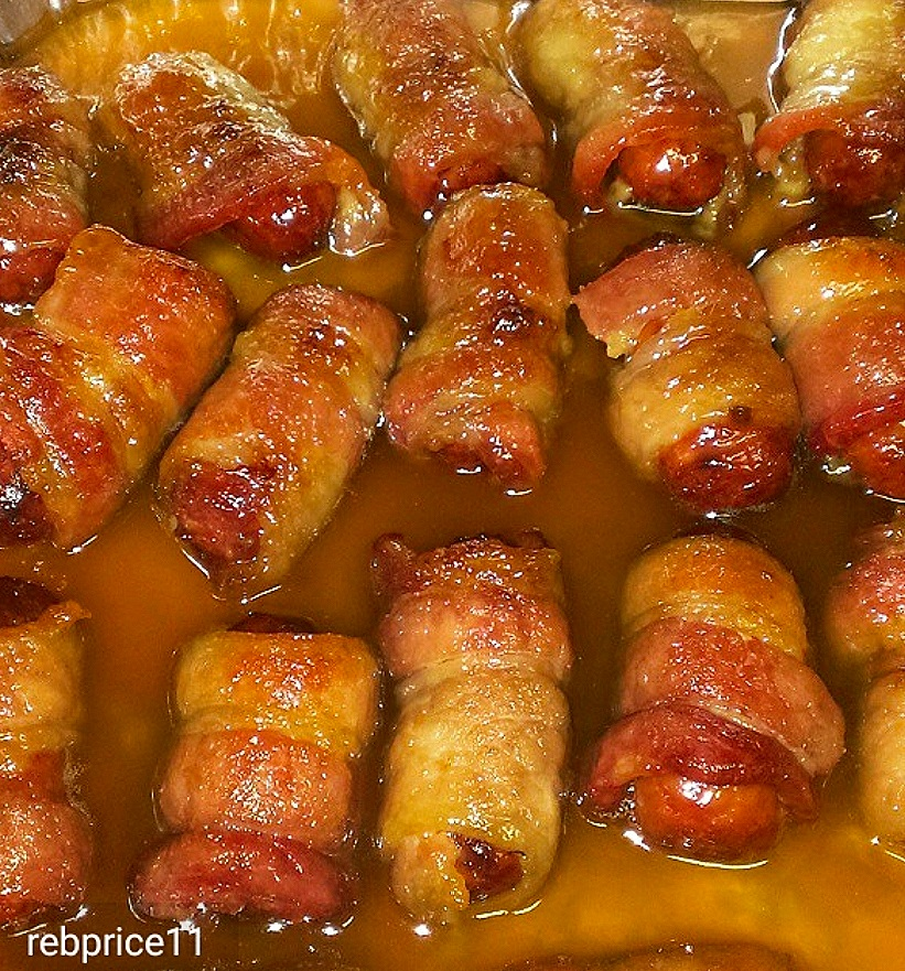 Smokies in a blanket. Smokies with bacon and brown sugar