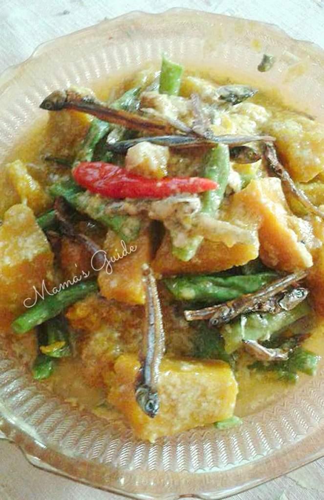 Ginataang Sitaw at Kalabasa with Crunchy Dilis