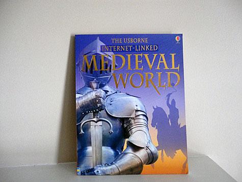 Medieval World: Internet Linked by Usborne