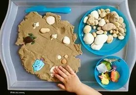 sand play loose parts