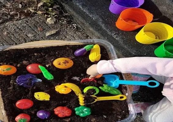soil play digging