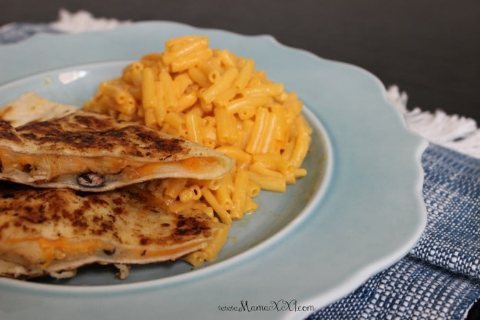 mac and cheese with chicken quesadilla