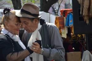 pareja bailando tango, argentina,