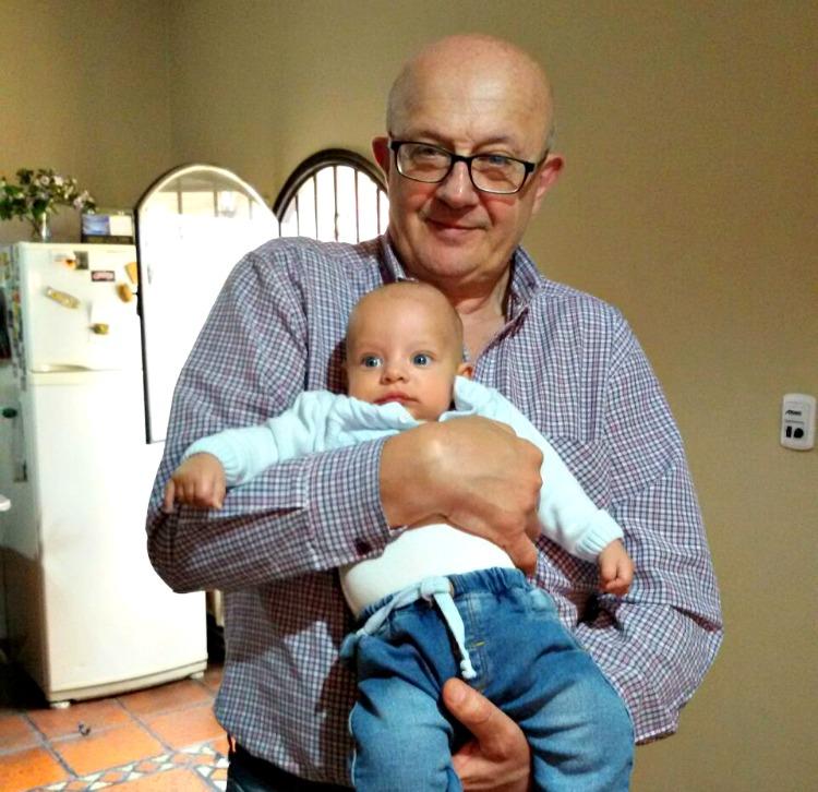 parecidos entre abuelo y nieto, bebé, familia, lazos, hijos, bebé