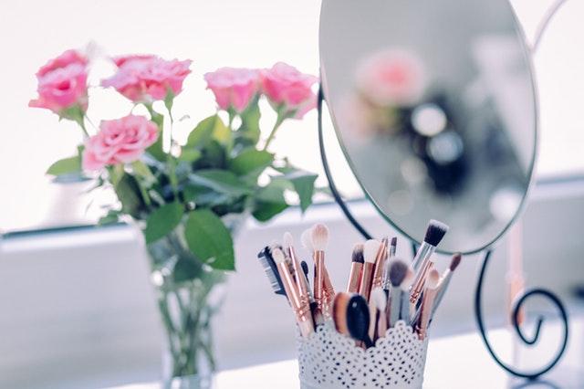 make up, mirror