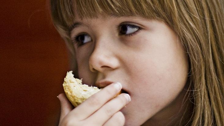 trastornos-alimenticios-niñas-732