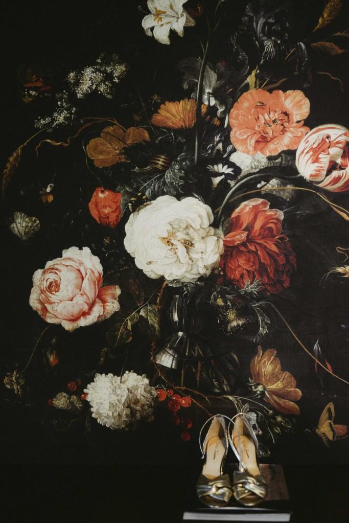 Chaussure et fleur