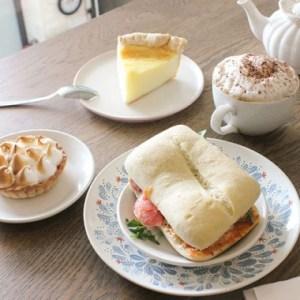 sandwich et dessert mamie clafoutis