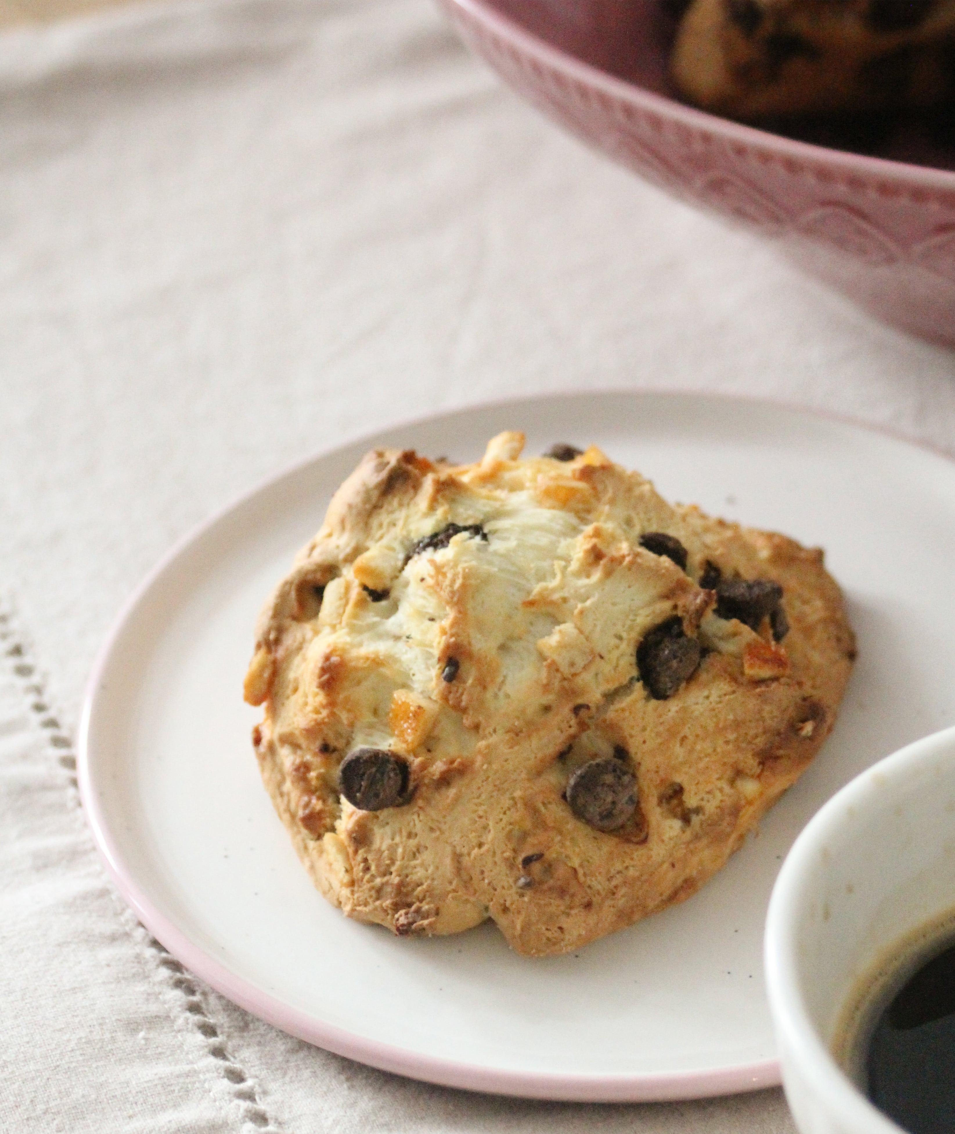 scone chocolat noir et orange-min
