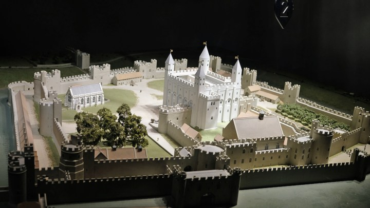 La Tower of London, una fortezza medievale nella city