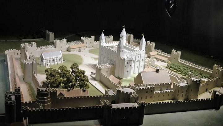 La Tower of London, una fortezza medievale nella city