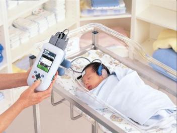 Screening audiologico neonatale: cos'è, a cosa serve, come si esegue