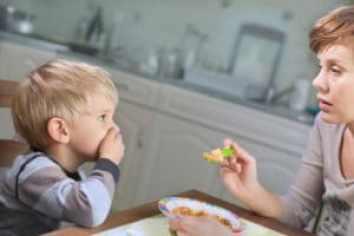 ThinkstockPhotos 478101181 300x200 - Neofobia nei bambini: i capricci a tavola