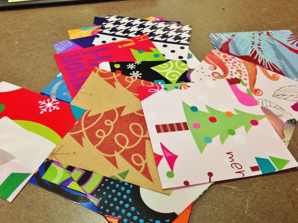 riciclare ritagli di carta regalo