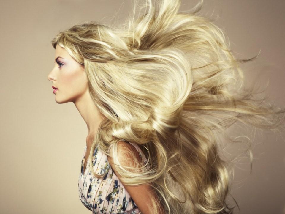 sistemare i capelli dopo il mare