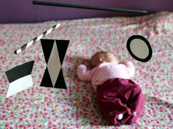 come stimolare la vista dei bambini piccoli