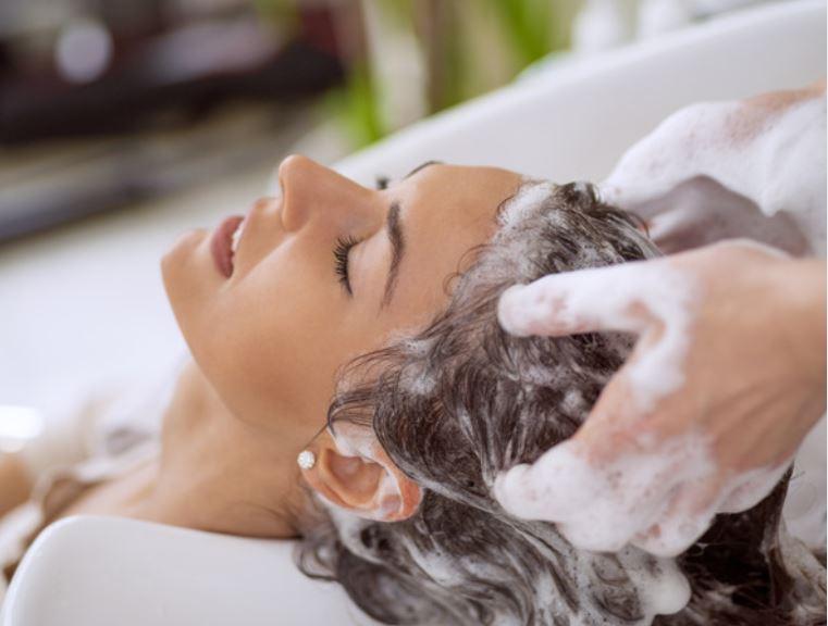 come fare lo shampoo