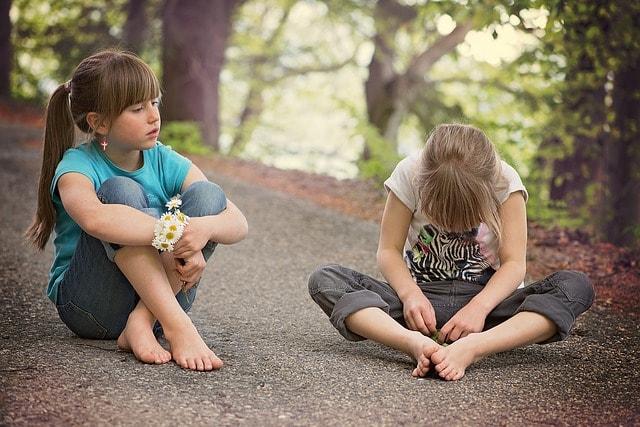 bambini che dicono le parolacce