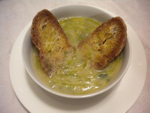 Zuppa di cannellini scarola e pancetta