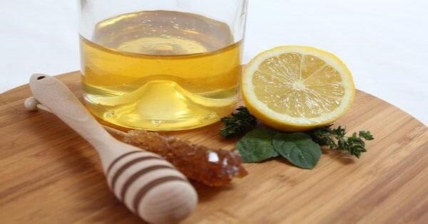 فوائد العسل الاسود مع الليمون على الريق
