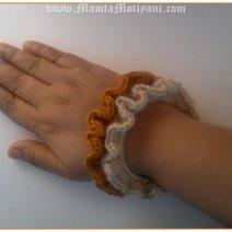 Frilly Stacking Crochet Bracelet Pattern