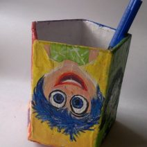 inside-out-pen-stand