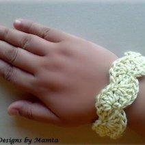 Scalloped Bangle Crochet Jewelry Pattern