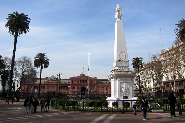 Plaza de Mayo, gay Buenos Aires in ManAboutWorld gay travel magazine