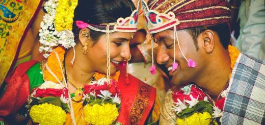 लोक लग्न का करतात?