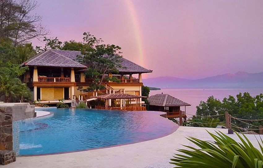 bunaken oasis dive resort and spa, hotel di manado bintang 5 (via tripadvisor.com)