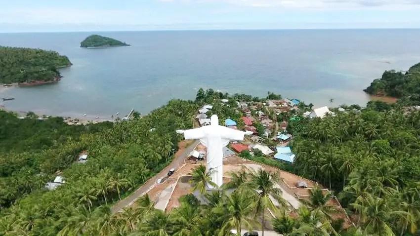 Patung Tuhan Yesus di pulau lembeh
