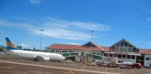 bandara di Manado