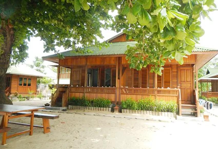 bobocha cottages siladen termasuk penginapan bunaken yang bagus