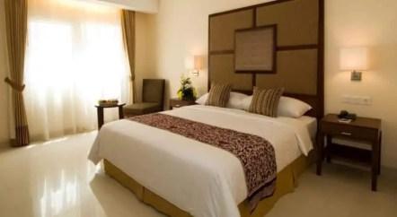kamar hotel aston manado