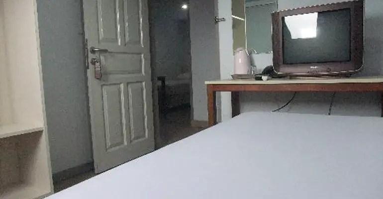 kamar hotel Metropolitan Inn Manado