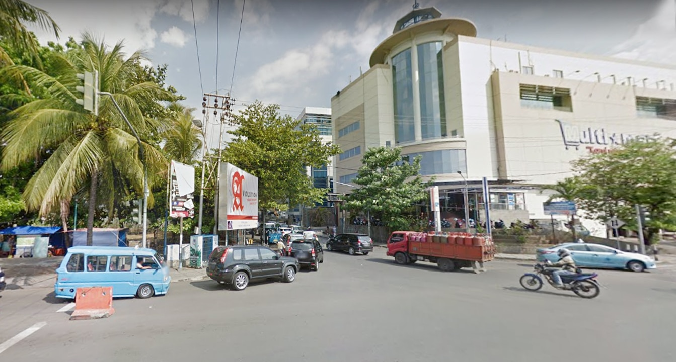 salah-satu-sudut-jalan-boulevard-manado