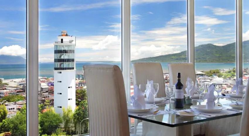 sintesa-peninsula-hotel-manado