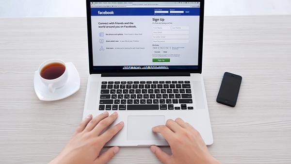 recrutare-facebook