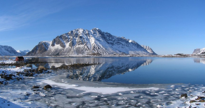 Winter at Lofoten (2008). By Tackbert. Public Domain.
