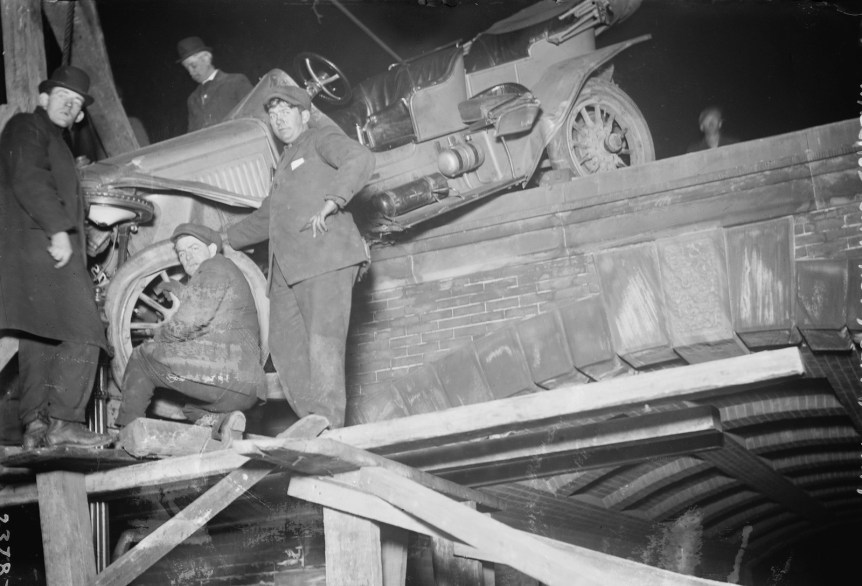 Frank Coffyn's auto wrecked in Central Park, March 21,1912. Bain News Service, via Library of Congress.