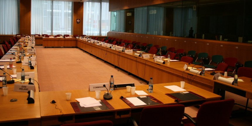 HQ of the Council of the European Union, Justus Lipsius building, meeting room for working groups [detail] (2007) by Szilas. Via Wikimedia (CC BY-SA 3.0)